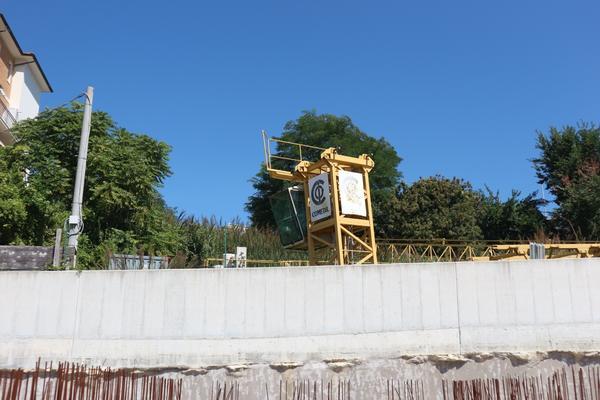 10#3430 Gru a torre Comedil