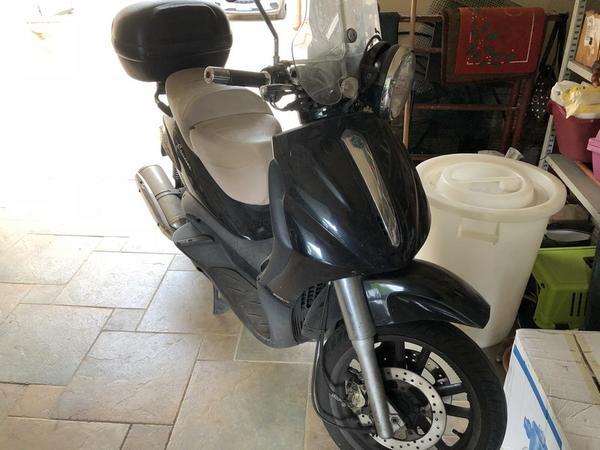2#3440 Motociclo Piaggio Beverly