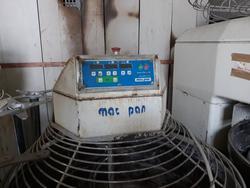 Mac Pan kneading machine and Opel Astra car - Lote  (Subasta 3442)