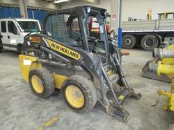 New Holland self propelled skid steer loader - Lot 8 (Auction 3444)