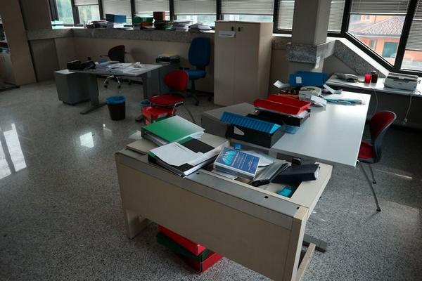 Immagine n. 1 - 2#3455 Arredi e attrezzature ufficio