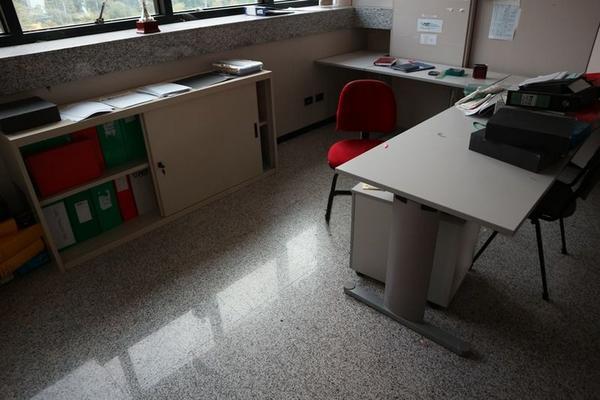 Immagine n. 16 - 2#3455 Arredi e attrezzature ufficio