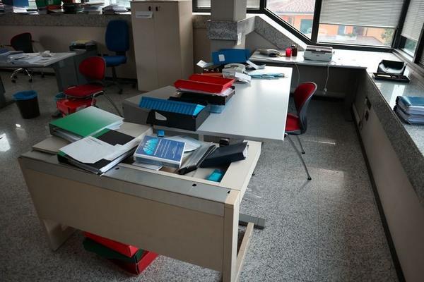 Immagine n. 17 - 2#3455 Arredi e attrezzature ufficio