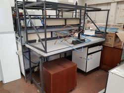 Laboratory counter - Lot 12 (Auction 3483)