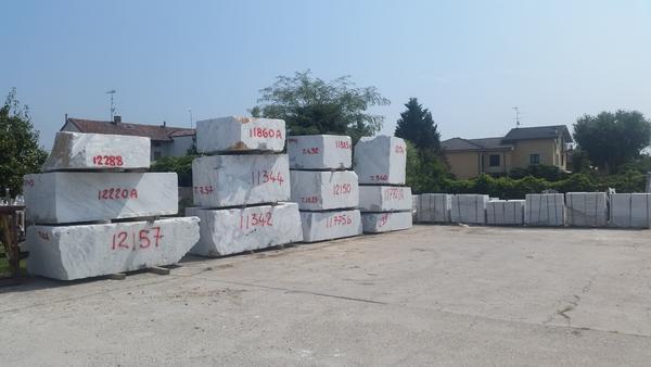 1#3488 Blocchi di marmo di Carrara