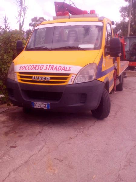 Immagine n. 1 - 1#3495 Autogru Iveco 50 E4 per soccorso stradale