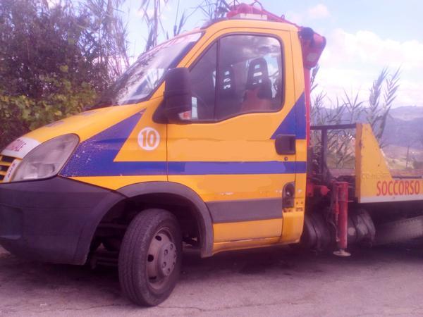 Immagine n. 2 - 1#3495 Autogru Iveco 50 E4 per soccorso stradale