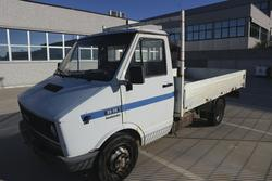 Iveco 35 truck and Opel Corsa vehicle - Lot 2 (Auction 3502)