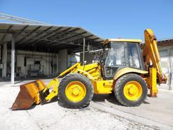 JCB 4 CX backhoe loader - Lot 3 (Auction 3513)