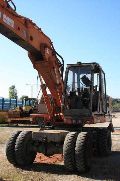 4#3527 Escavatore Fai 1100 GTV con polipo