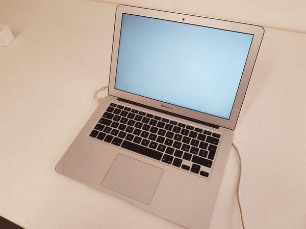 Immagine n. 4 - 48#3585 MacBook Air
