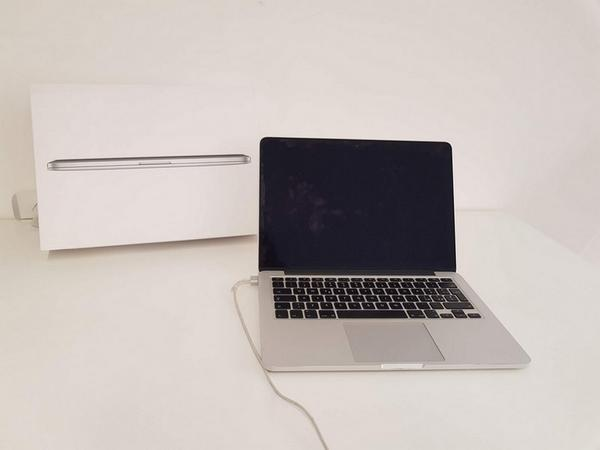 Immagine n. 2 - 77#3585 MacBook Pro