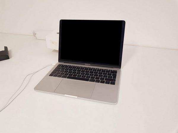 Immagine n. 2 - 86#3585 MacBook Pro