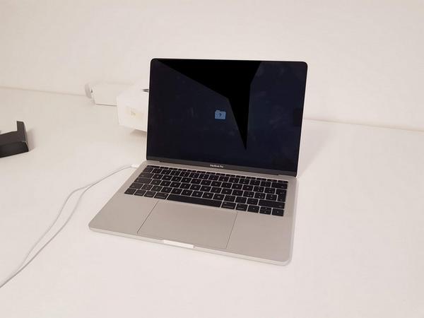 Immagine n. 3 - 86#3585 MacBook Pro