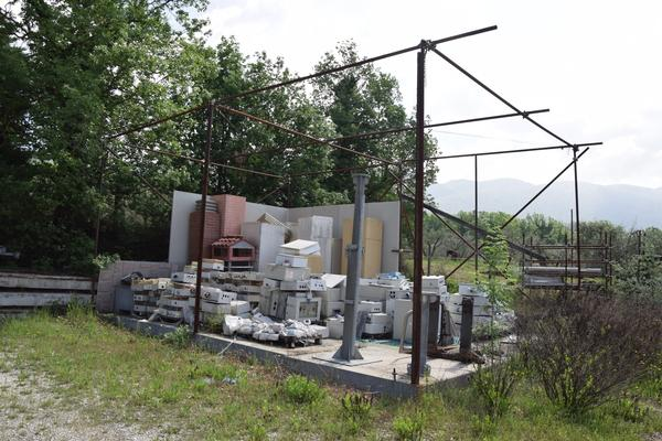 20#3589 Platea in cemento con struttura