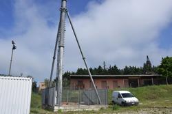 Base in cemento con palo - Lotto 7 (Asta 3589)