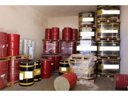 Oils and lubrificants - Lot 2 (Auction 3590)