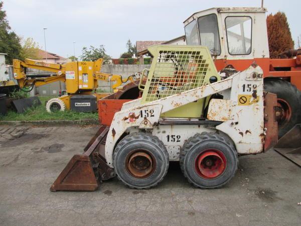 4#3595 Mini pala gommata Bobcat 853