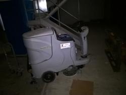 Gausow CT110 scrubbing machine - Lot 52 (Auction 3630)