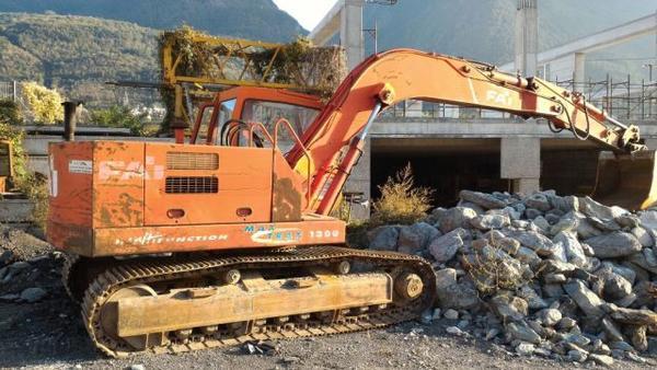 17#3635 Escavatore Fai 1300