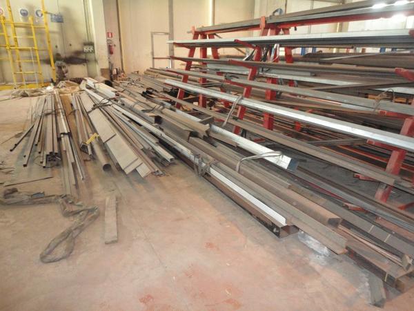1#3641 Profili metallici e materiale ferroso