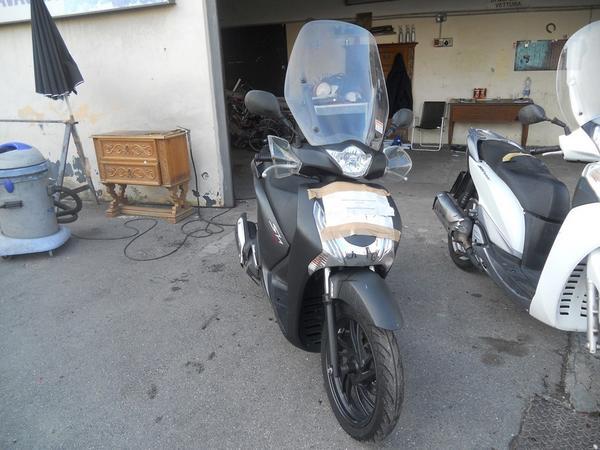 Immagine n. 2 - 1#3642 Motociclo Honda SH 125