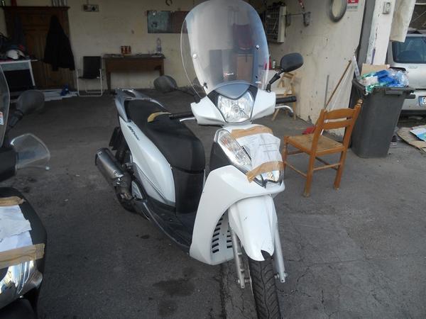 Immagine n. 1 - 2#3642 Motociclo Honda SH 300