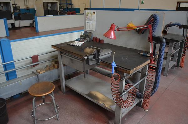 Mobili e attrezzature da officina bergamo lombardia
