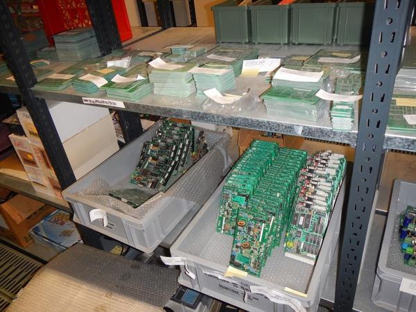 Immagine n. 8 - 4#3668 Magazzino componenti elettronici e informatici