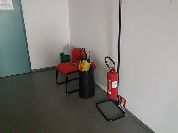 Immagine n. 1 - 6#3668 Arredi e attrezzature uffico
