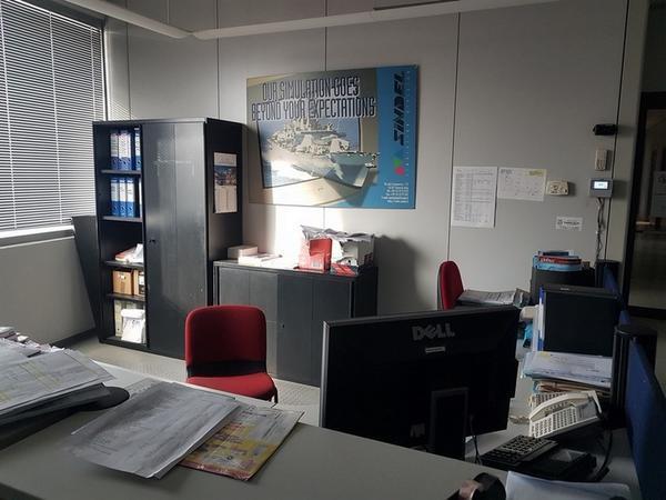 Immagine n. 3 - 6#3668 Arredi e attrezzature uffico