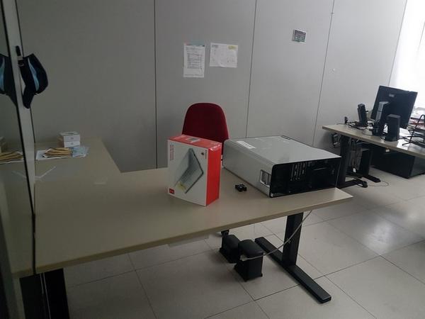 Immagine n. 10 - 6#3668 Arredi e attrezzature uffico