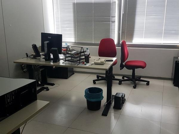 Immagine n. 11 - 6#3668 Arredi e attrezzature uffico