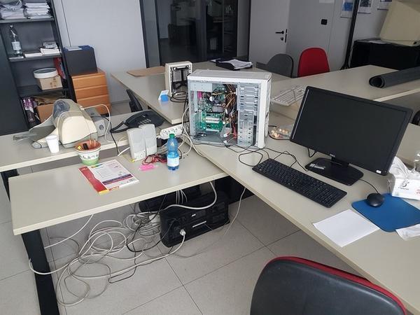 Immagine n. 19 - 6#3668 Arredi e attrezzature uffico