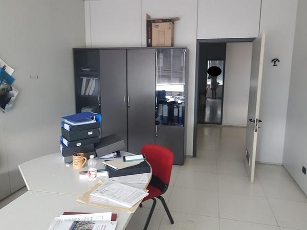 Immagine n. 25 - 6#3668 Arredi e attrezzature uffico