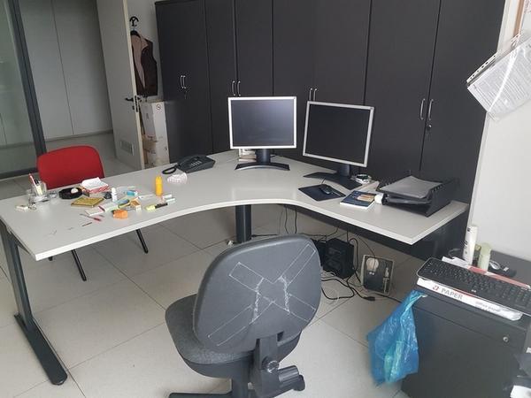 Immagine n. 29 - 6#3668 Arredi e attrezzature uffico