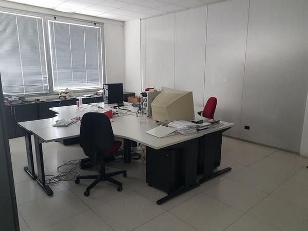 Immagine n. 33 - 6#3668 Arredi e attrezzature uffico