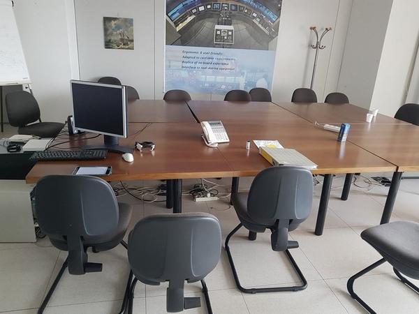 Immagine n. 43 - 6#3668 Arredi e attrezzature uffico