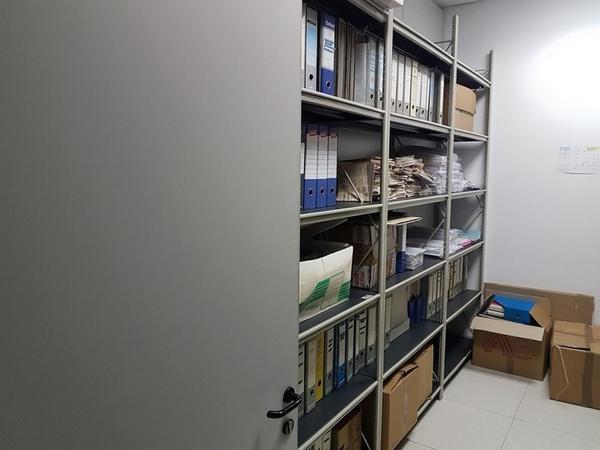 Immagine n. 73 - 6#3668 Arredi e attrezzature uffico