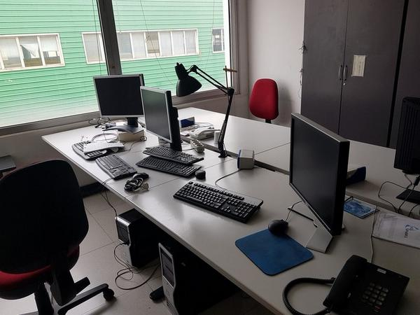 Immagine n. 103 - 6#3668 Arredi e attrezzature uffico