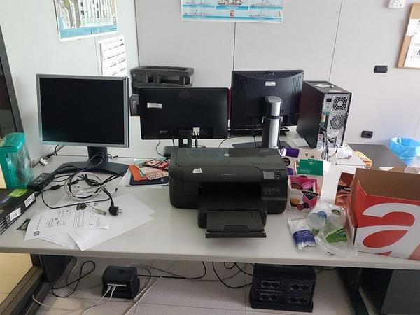 Immagine n. 112 - 6#3668 Arredi e attrezzature uffico