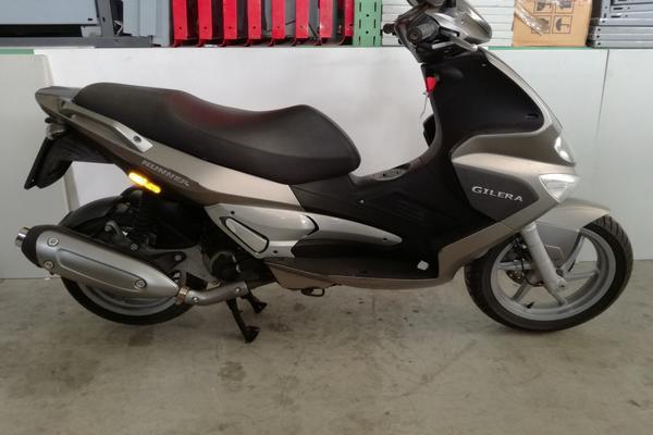11#3672 Moto Gilera Runner 200cc