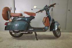 Bajaj Chetak Classic 150 cc motorcycle - Lot 14 (Auction 3672)