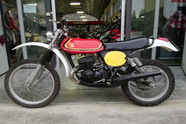 21#3672 Moto Montesa Enduro 250cc