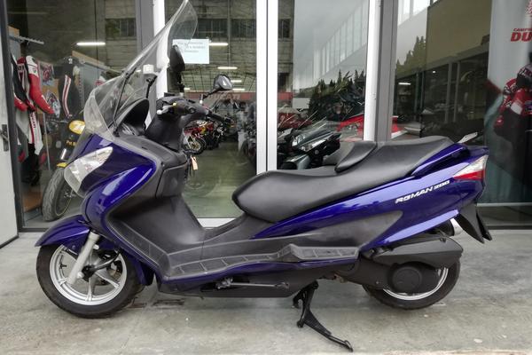 25#3672 Moto Suzuki Burgman 200cc