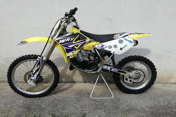 26#3672 Moto Suzuki RM Cross 85cc