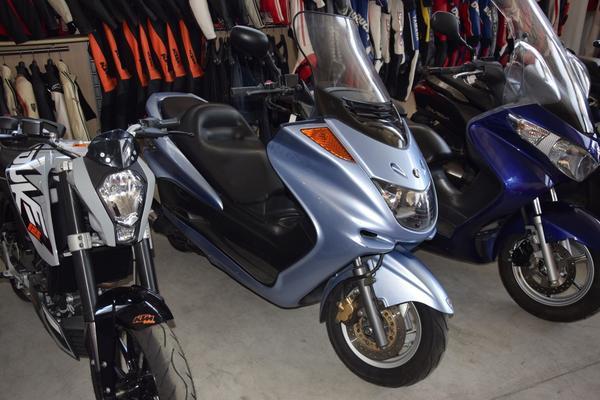 27#3672 Motociclo Yamaha 250cc