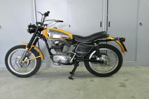 9#3672 Moto Ducati Scrambler 250cc