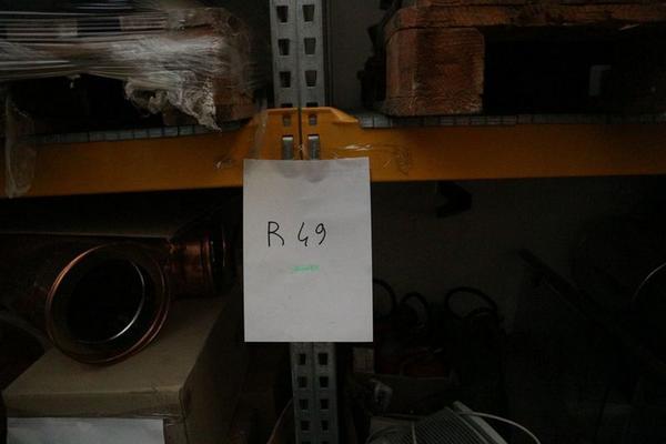 Immagine n. 3 - 3#3673 Scaffalature industriali e tubi in rame