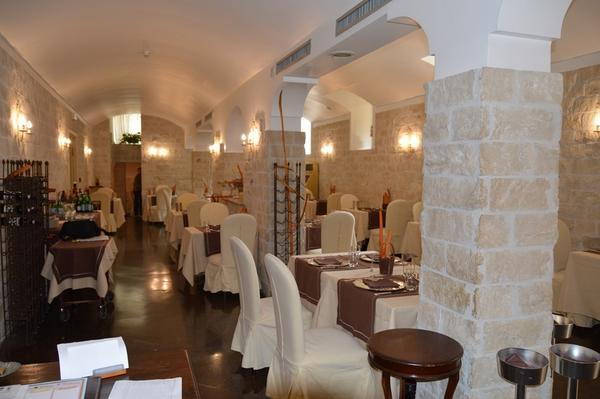 Tavoli E Sedie Per Ristoranti.3 3680 Tavoli E Sedie Per Ristorante Catania Sicilia Arredamento